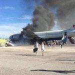 Почему пассажиры хватаются за сумки во время аварийной эвакуации?